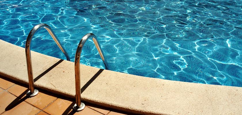 Swimming Pool - FreeImages.com/Nadine Wegner | Select Home Warranty